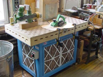 Shaping and sanding table